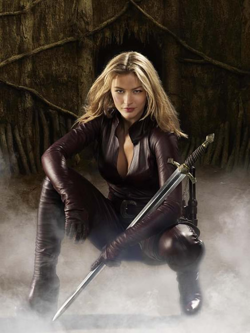 Tabrett Bethell as Cara - Legend of the Seeker