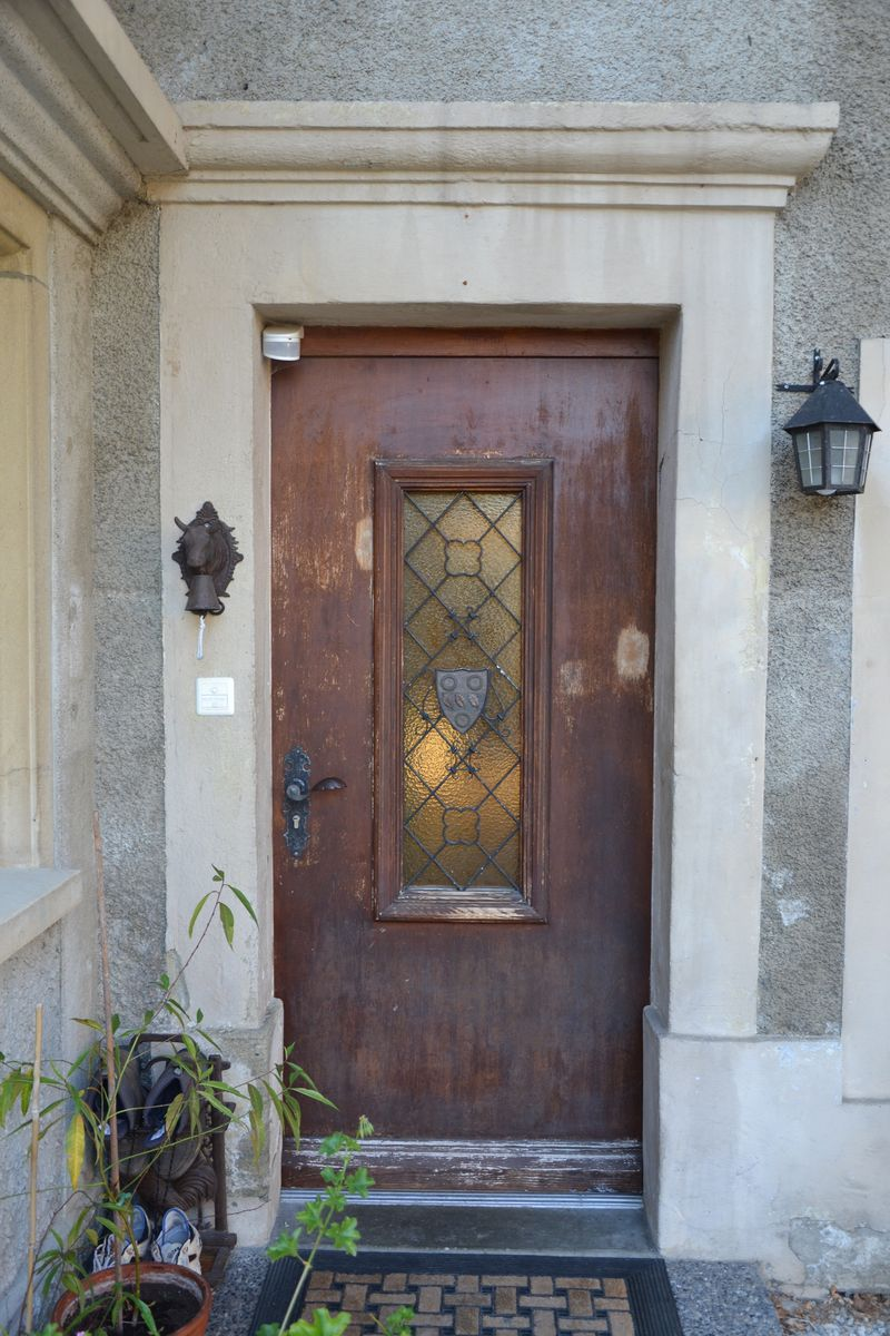 Chipboard front door