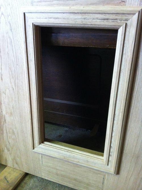 Central door panel frame