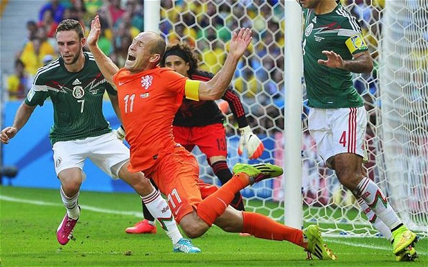 Arjen Robben diving