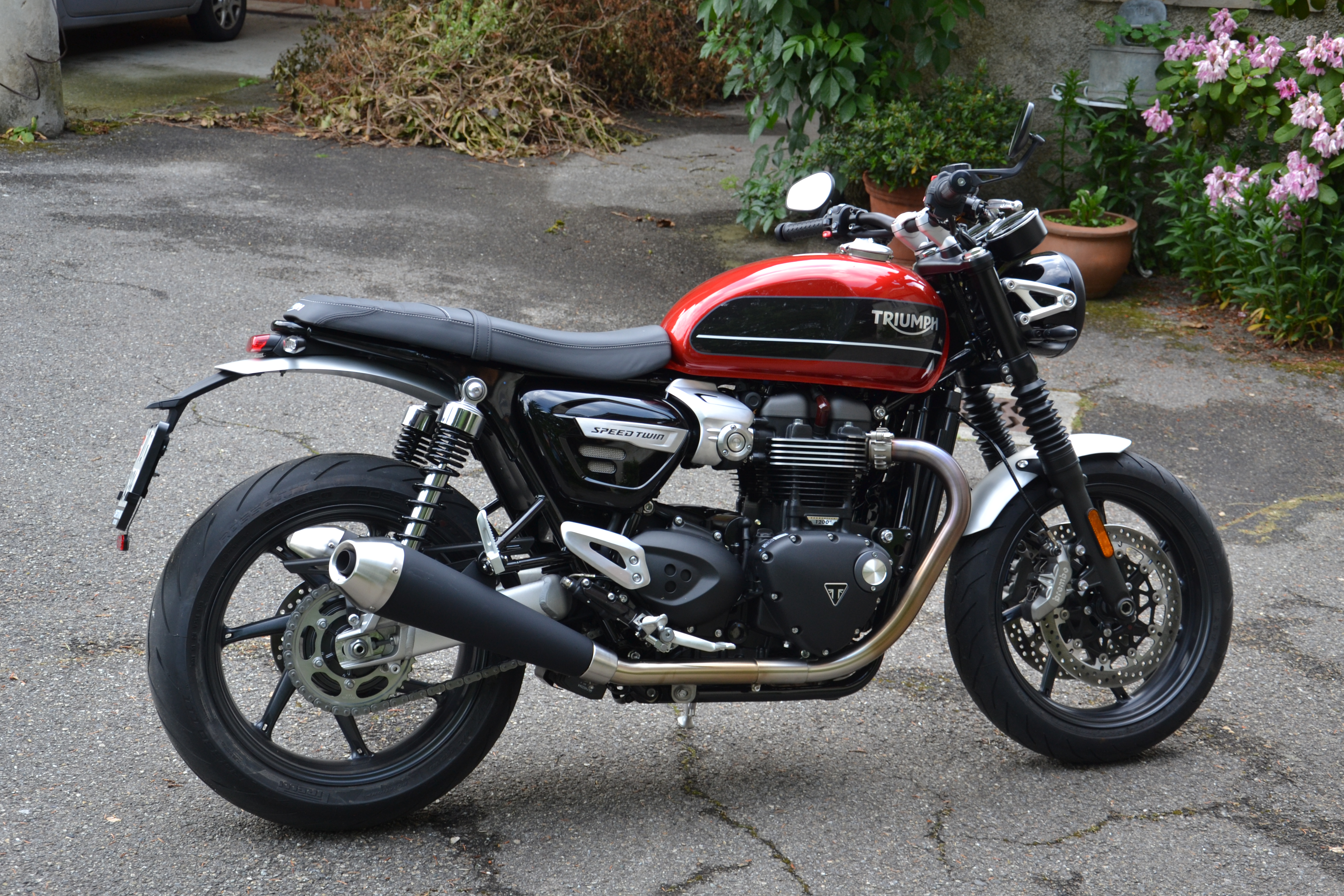 The Donald Trumpet Meets The Spluttering Sofa Triumph Speed Twin 2019 Review The Glidd Of Glood Blog